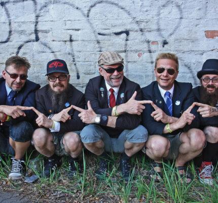 Interview: 'Humpa Yoik' band Eläkeläiset